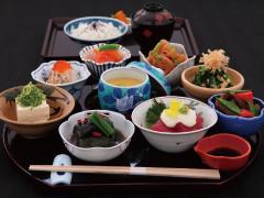 箸まよい膳 *1日限定10食* ¥2,200(税サ込¥2,613)イメージ